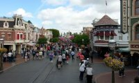 Disneyland's Mainstreet during the day